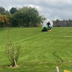 gateforth-park-grass-cutting